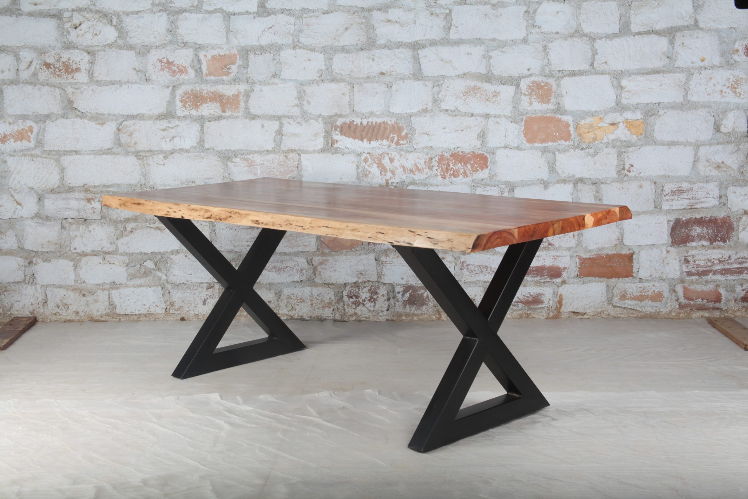 Picture of: Dining Table Live Edge Industrial Dining Table Akku Art Exports